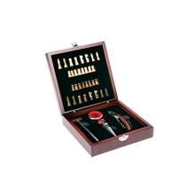 Set de vins personalitzat caixa fusta 4 accessoris i joc escacs