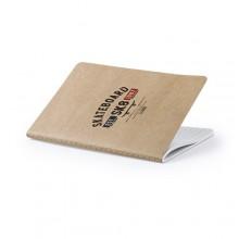 Llibreta  cartró reciclat 14,4 X 21 cm.  60 fulles ratllades ZURIX